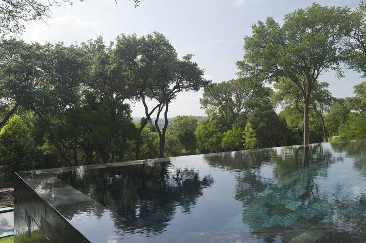 pedra-hitam-para-piscina